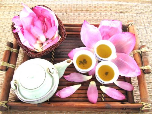 Người bệnh dạ dày nên thường xuyên uống 3 loại trà này