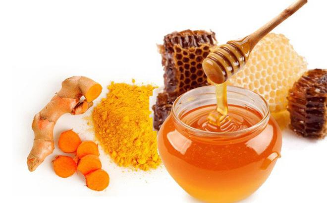 Mật ong và nghệ là bài thuốc dân gian được áp dụng nhiều nhất trong điều trị viêm loét dạ dày.