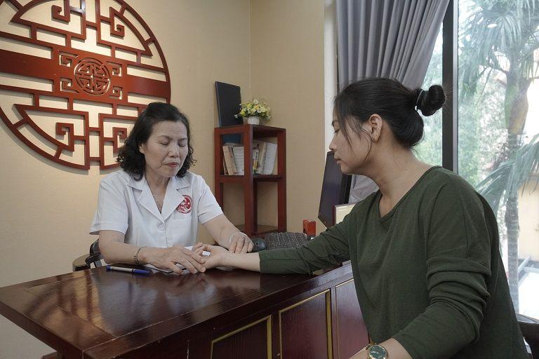 Chị Hương đã tới trực tiếp Nhất Nam Y Viện để được bác sĩ Vân Anh khám chữa