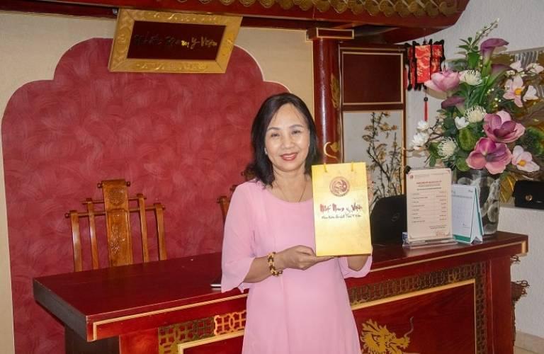 Cô Tâm được chính TS.BS Nguyễn Thị Vân Anh khám chữa bệnh và kê đơn thuốc