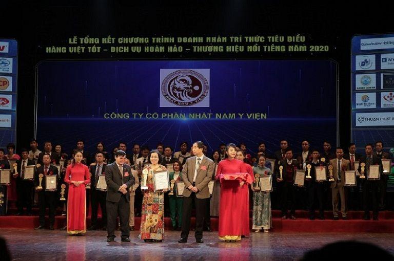 TS.BS Nguyễn Thị Vân Anh nhận giải thưởng cao quý