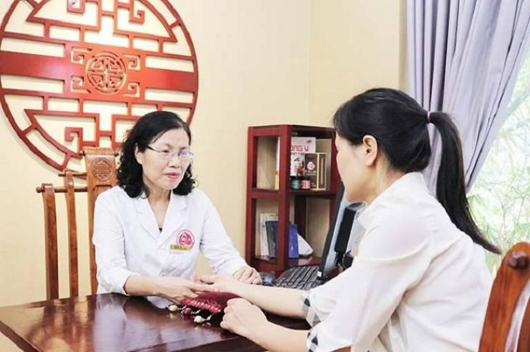Nhiều bệnh nhân tìm đến bác sĩ đều nhận được những lời khuyên bổ ích để điều trị bệnh