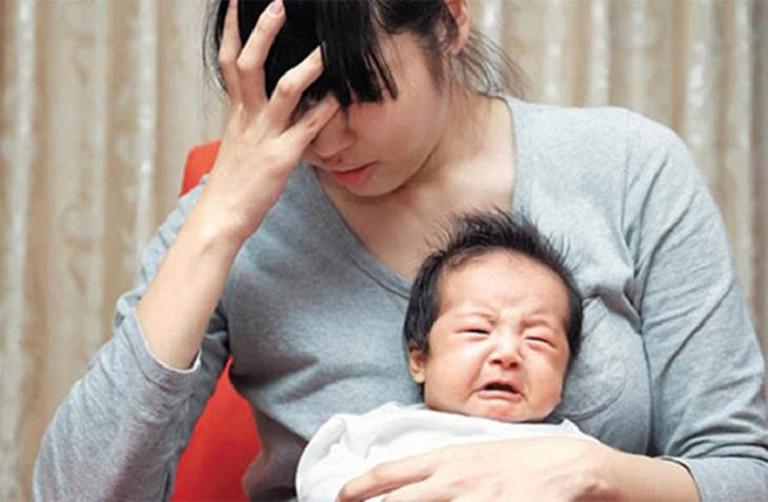 Trào ngược dạ dày cũng là một căn bệnh phổ biến đối với những bà bầu, bà mẹ bỉm sữa (Ảnh minh họa)